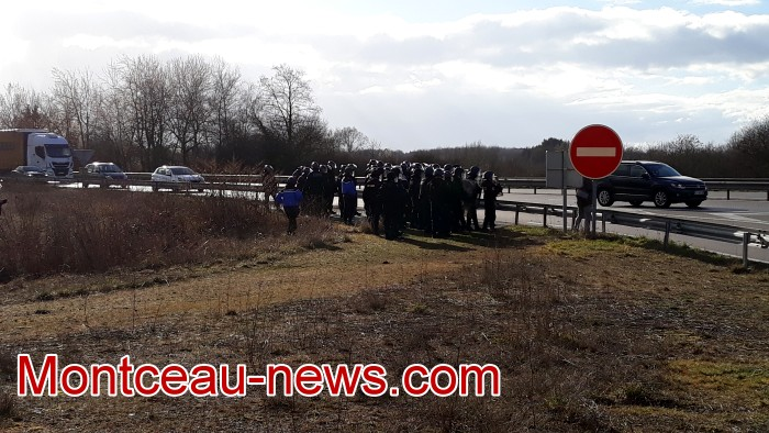 Journee action gilets jaunes Magny 02031984