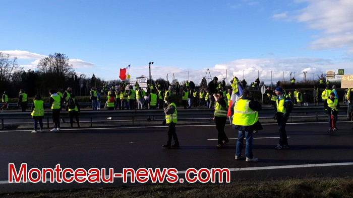 Journee action gilets jaunes Magny 02031986