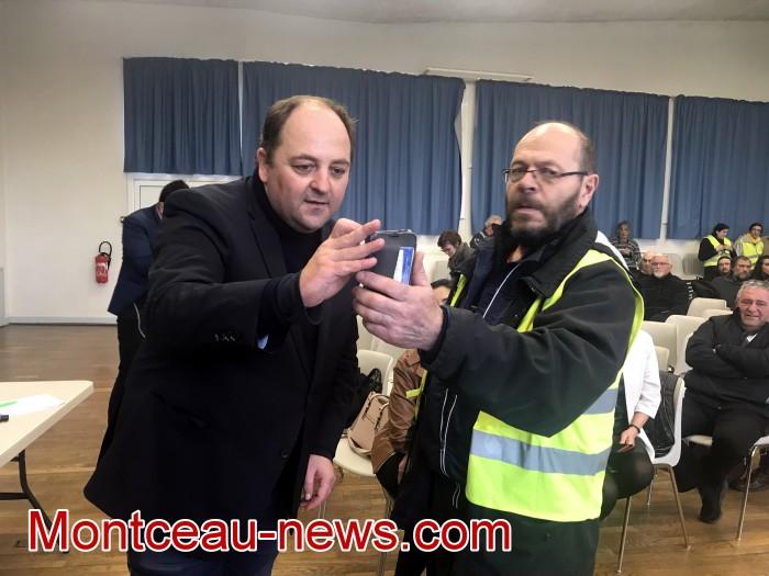 Mouvement gilets jaunes Magny Montceau social Montceau-news.com 09031933