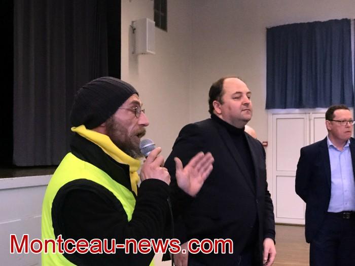 Mouvement gilets jaunes Magny Montceau social Montceau-news.com 09031936
