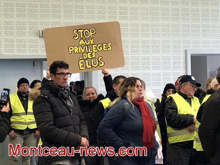 Mouvement gilets jaunes Magny Montceau social Montceau-news.com 09031944