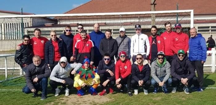 Chasse oeufs Paques enfants children foot FCBoisduVerne soccers Montceau-news.com 160419