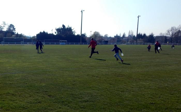 Chasse oeufs Paques enfants children foot FCBoisduVerne soccers Montceau-news.com 1604191