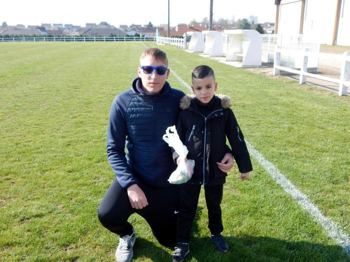 Chasse oeufs Paques enfants children foot FCBoisduVerne soccers Montceau-news.com 1604194