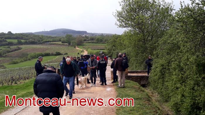 Gilets jaunes Magny roche Solutre Mitterrand escalade meeting manifestation Macron revendications Montceau-news.com 2704191