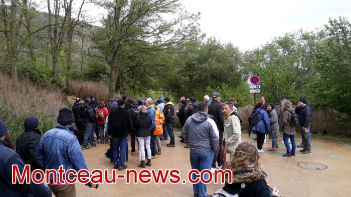 Gilets jaunes Magny roche Solutre Mitterrand escalade meeting manifestation Macron revendications Montceau-news.com 2704192