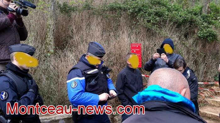 Gilets jaunes Magny roche Solutre Mitterrand escalade meeting manifestation Macron revendications Montceau-news.com 2704194