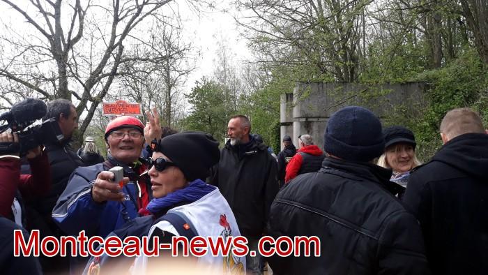 Gilets jaunes Magny roche Solutre Mitterrand escalade meeting manifestation Macron revendications Montceau-news.com 2704195