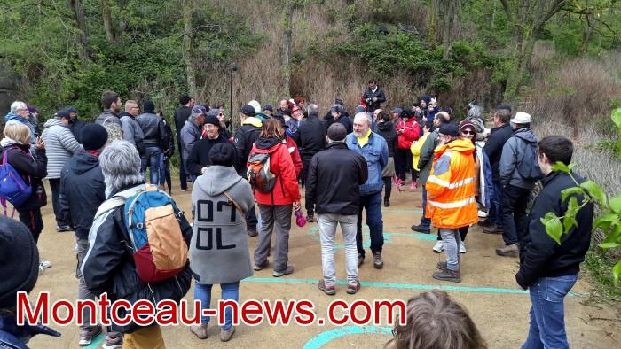 Gilets jaunes Magny roche Solutre Mitterrand escalade meeting manifestation Macron revendications Montceau-news.com 2704196