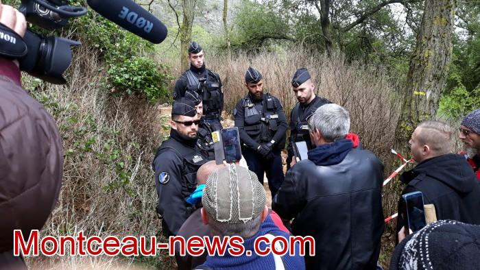 Gilets jaunes Magny roche Solutre Mitterrand escalade meeting manifestation Macron revendications Montceau-news.com 2704198