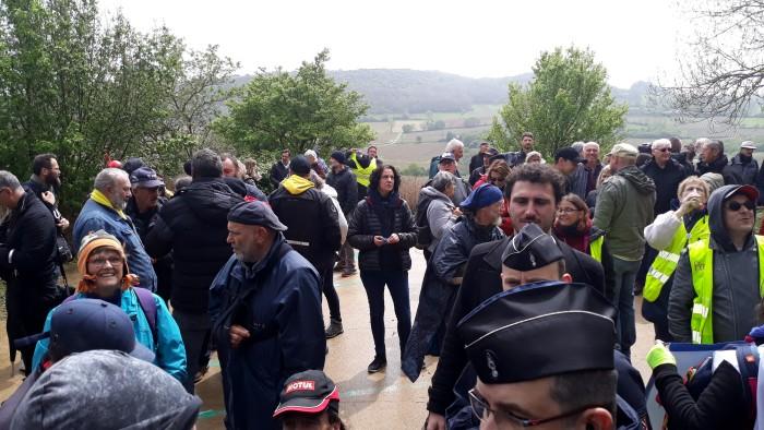 Gilets jaunes Magny roche Solutre Mitterrand escalade meeting manifestation Macron revendications Montceau-news.com 2704199