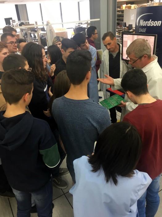 Visite BSE entreprise electronique Creusot student lycee Parriat enseignement Montceau-news.com 09041982