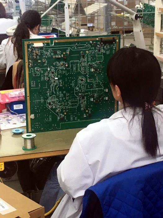 Visite BSE entreprise electronique Creusot student lycee Parriat enseignement Montceau-news.com 09041983