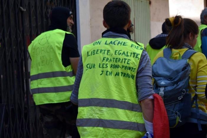 gilets jaunes Magny Manosque lecteur daniel Creteur Montceau-news.com 14041916