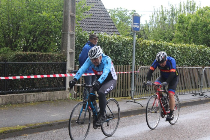 FSGT ASPTT Laurine Ducote Thibaut Baudin VCM cyclisme Montceau club titre cchampion Saone-et-Loire performance vitesse speed Montceau-news.com 1105191