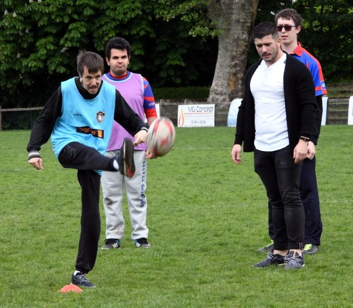 Handi handicap rugby rencontre match amical educateurs centre p suchologie ballon Montceau-news.com 140519