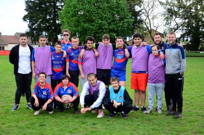 Handi handicap rugby rencontre match amical educateurs centre p suchologie ballon Montceau-news.com 1405191
