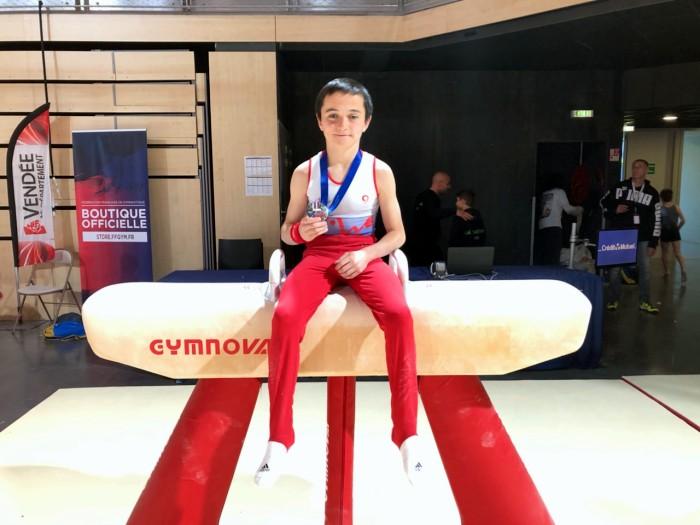 Montceau gym gymnastique championnat podium spprt rubrique tapis aerobic natioal agres Montceau-news.com 140519