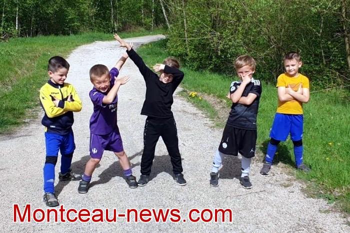Stage formaton Football CS Sanvignes club fot soccers jaune bleu jeunes young filles woman garcon teen-ager Montceau-news.com 06051918