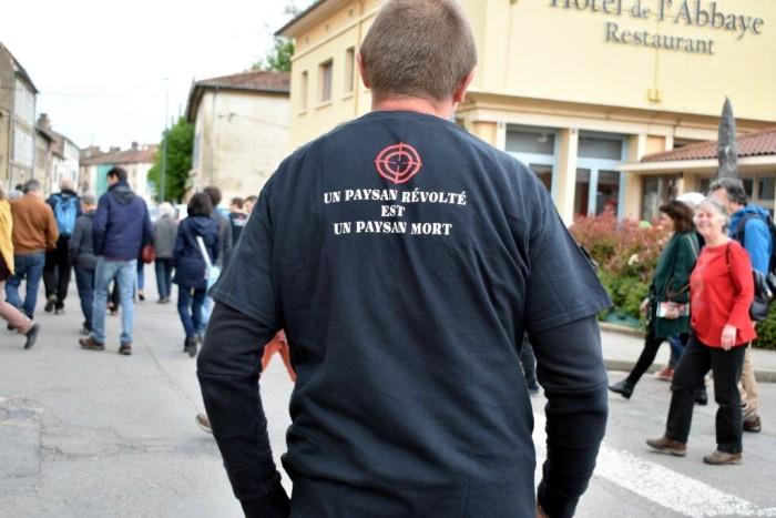 marche justice faits-divers Cluny memoire souvenir Jerome Laronze paysan mort tue gendarme gendarmerie confederation paysanne syndicat agricole manifestation hommage Montceau-news.com 2005191