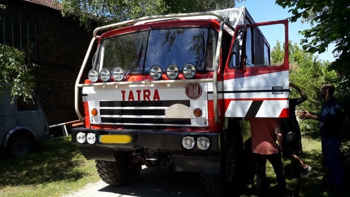 Jean Pierre Lovarini musee camion truck Paris Dakar course raid race selfie lecteur raeder site web Montceau-news.com 030619