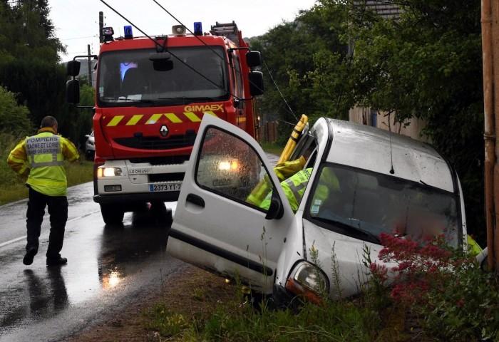 accident blesses saint Sernin bois wood site web faits-divers Montceau-news.com 140619