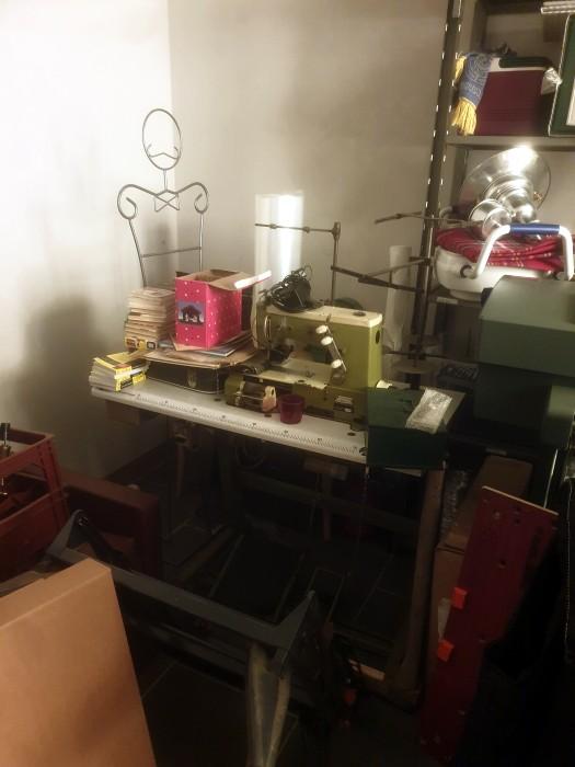 vide-maison vente sale brocante antiquites meubles bibelots collection objet occasion tabealu peinture annonce flyer Montceau-news.com 1006191